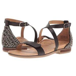 Aetrex Brenda Adjustable Sandal in Black